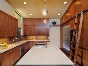 大户型厨房原木色橱柜装修效果图 整体橱柜效果图