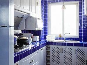 地中海风格厨房定制实木橱柜效果图   多层实木橱柜图片