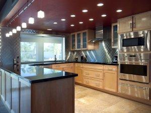 欧式风格开放式厨房整体橱柜装修效果图  实木橱柜图片