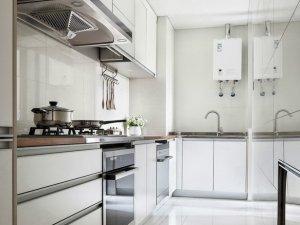 现代风格厨房白色橱柜装修效果图 整体定制橱柜图片