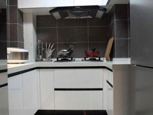 小厨房白色烤漆橱柜效果图 U型橱柜图片