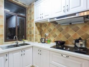 简约厨房装修效果图大全 白色整体橱柜图片