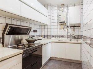 温馨简约原木风家装效果图 白色烤漆橱柜效果图