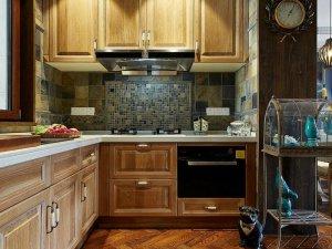 古典风格实木橱柜装修效果图 原木色橱柜设计图