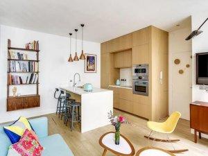 小公寓简易厨房装修效果图 原木色小橱柜效果图