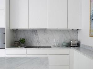 纯白色厨房装修效果图 开放式小厨房效果图