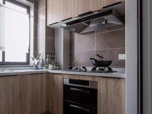 L型厨房装修效果图大全 木纹橱柜效果图