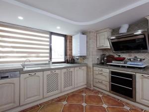 美式大厨房装修效果图 白色橱柜效果图