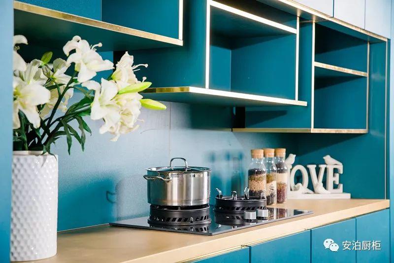 安泊厨柜 现代风格多瑙河橱柜效果图
