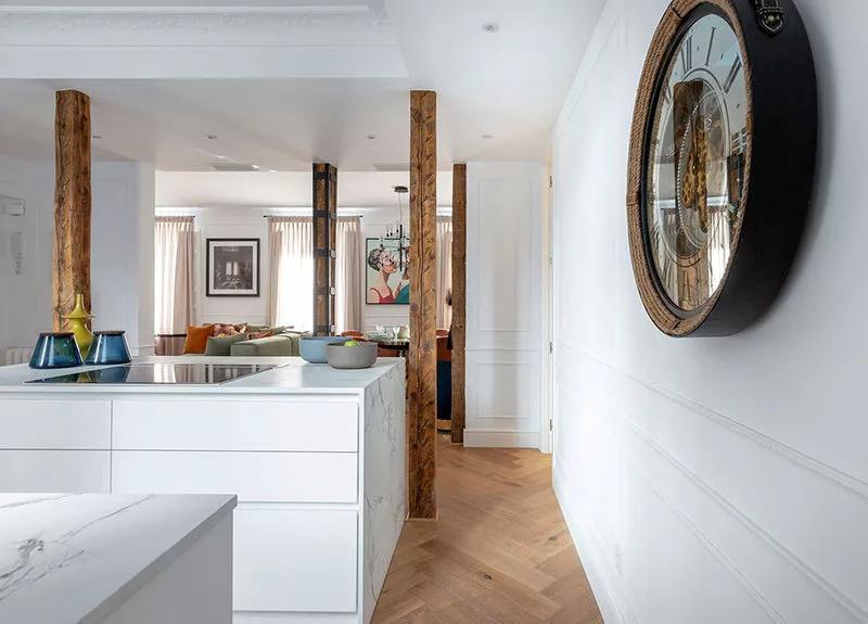 多彩轻奢厨房效果图 白色整体橱柜图片大全