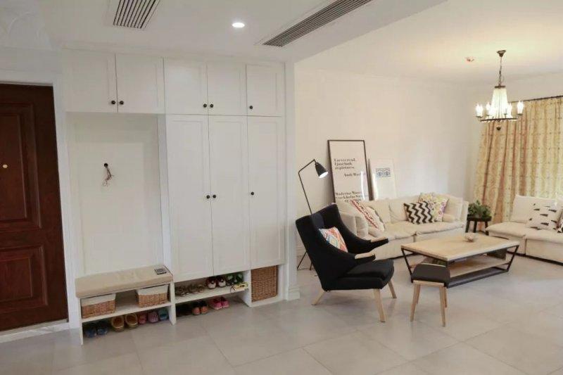 康居格林全屋定制换鞋凳与鞋柜组合设计案例 很实用
