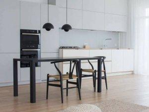 LG Hausys地板-白色与原木色搭配地板-极简风装修设计